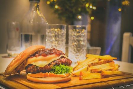 burger-fries-restaurant