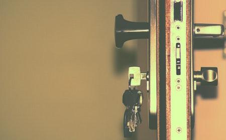 door-lock-keys