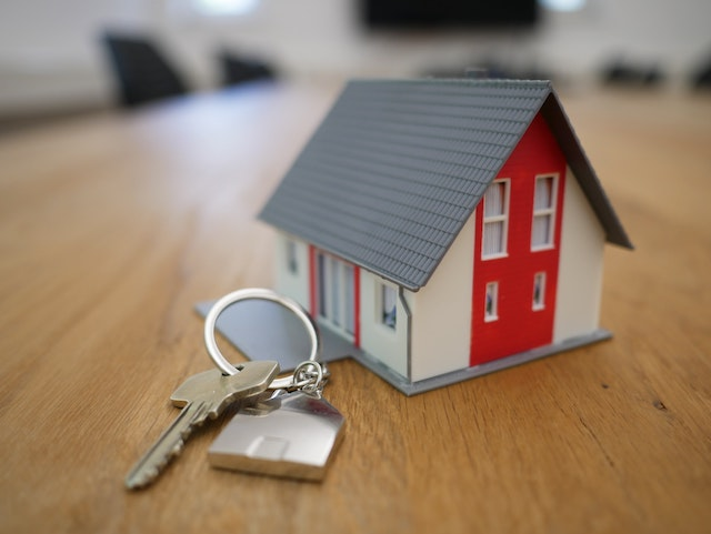 house-keys-model-home